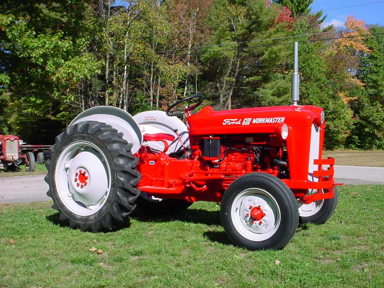 Ford 601 Workmaster Tractor : Windy hill restoration